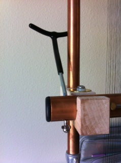 shedding device for left handed weaving